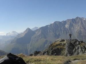 Seul face à la montagne